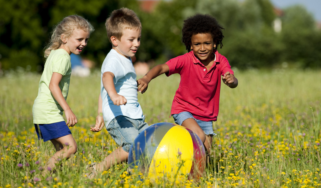 Treat.Kids_.When_is_it_time_to_change_ADHD_meds.Article.741A.kids_chasing_ball.ts_152136572-1.jpg (1024×600)